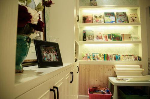 现代简约四居室儿童房书柜装修效果图大全