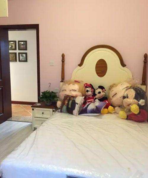 现代简约二居室儿童房床装修效果图