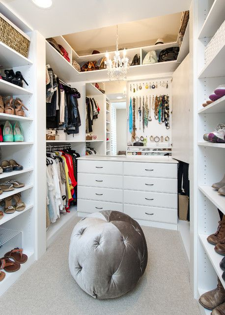 大气高端现代风格衣帽间储物柜设计