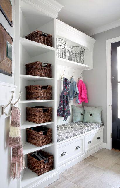 现代简约四居室衣帽间白色衣柜设计