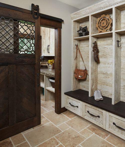 后现代风格公寓衣帽间储物柜装修设计