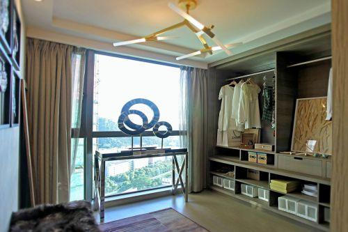 现代简约四居室衣帽间储物柜装修效果图大全