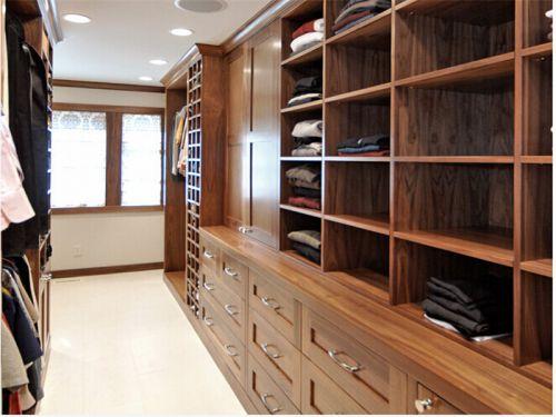 现代简约二居室衣帽间储物柜装修效果图欣赏