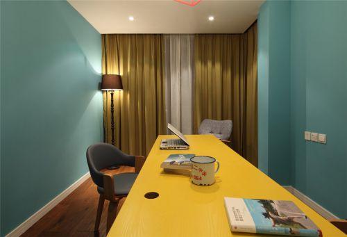 现代简约四居室书房组合柜装修图片