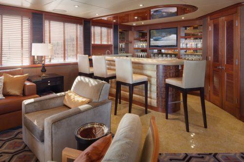 褐色美式客厅吧台图片