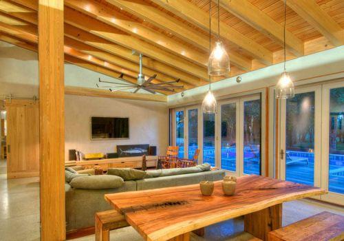 实木美式客厅吊顶设计