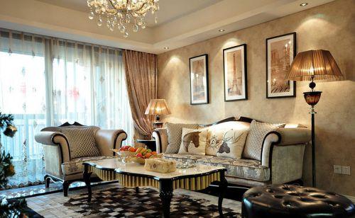 米色美式风格客厅装饰案例