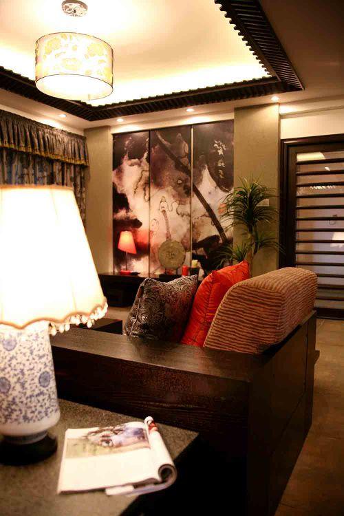 美式舒适温暖客厅装修效果图