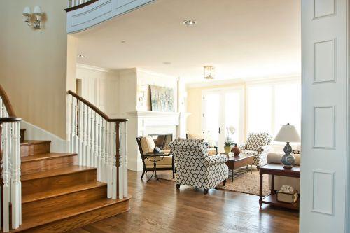 米色美式风格客厅楼梯装修布置
