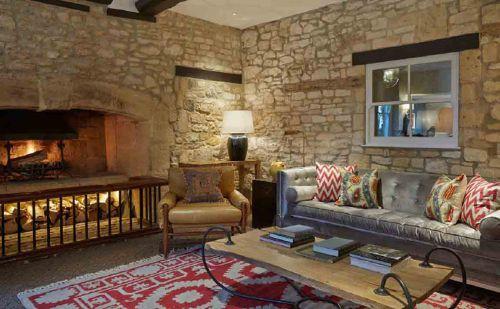 美式温馨古典客厅设计图片