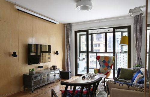 现代简约原木客厅装修设计