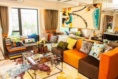 混搭风格个性橙色客厅设计案例