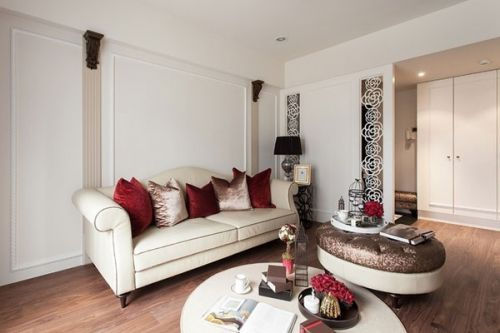 米色简欧客厅沙发装饰设计图片