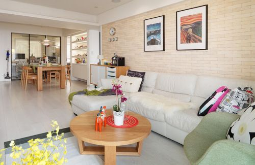 浪漫舒适米色宜家客厅照片墙装潢