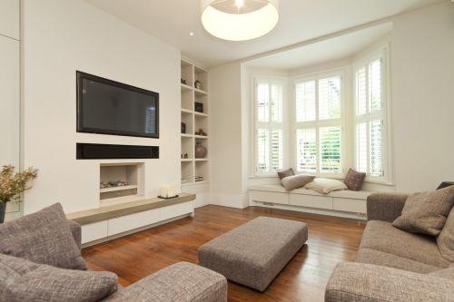 白色宜家风格客厅飘窗装潢设计