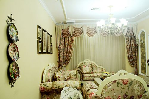 田园风格温馨米色客厅设计图