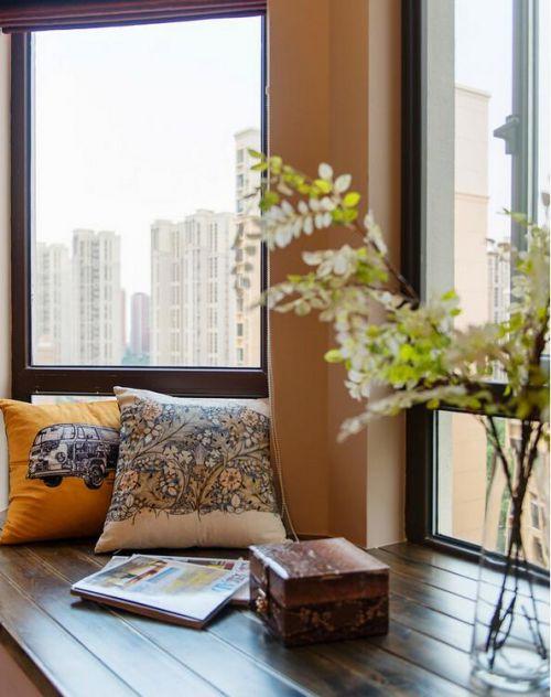 地中海原木色客厅飘窗装修设计