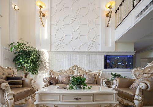 白色花纹欧式沙发背景墙欣赏
