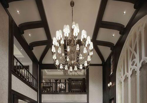 时尚欧式客厅吊顶欣赏
