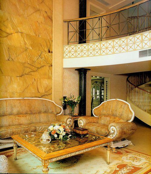 欧式风格黄色客厅沙发图片欣赏