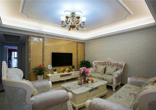米色欧式风格客厅沙发装饰案例