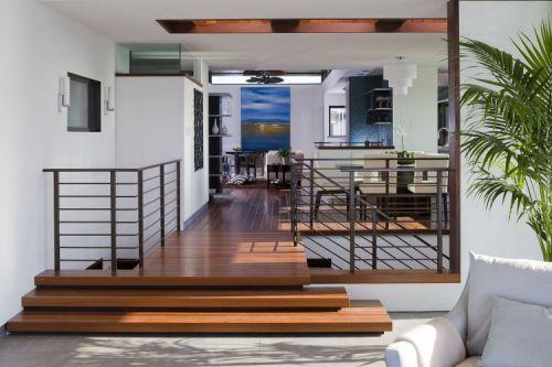 现代风格白色客厅楼梯装潢设计