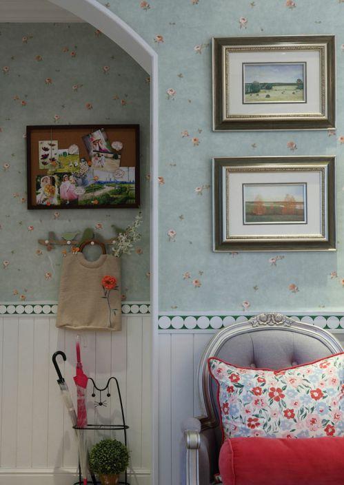 田园碎花浪漫米色照片墙装修设计