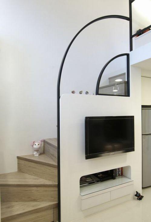 简约白色客厅楼梯设计欣赏