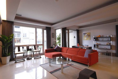 红色大气时尚现代风格客厅装潢设计