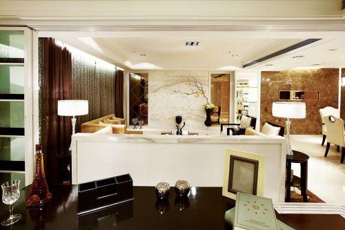 白色现代客厅矮隔断美图