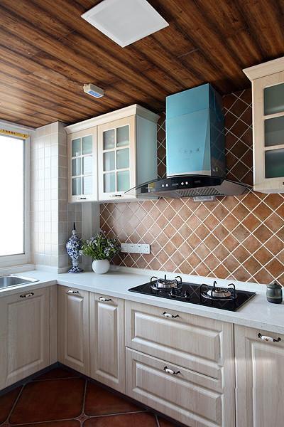 新古典美式复古厨房案例展示