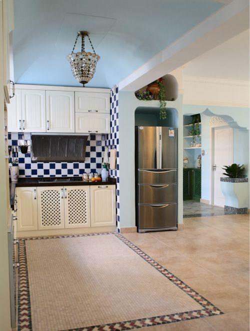 混搭厨房储物柜装修案例