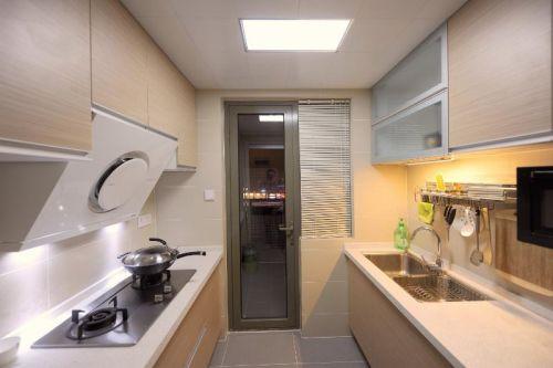 现代简约日式厨房装修图