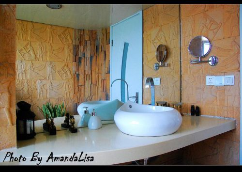 现代简约日式卫生间装修效果展示
