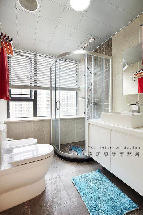现代简约日式美式混搭卫生间装修案例