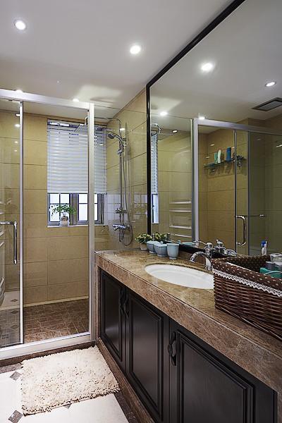 美式混搭复古卫生间设计案例