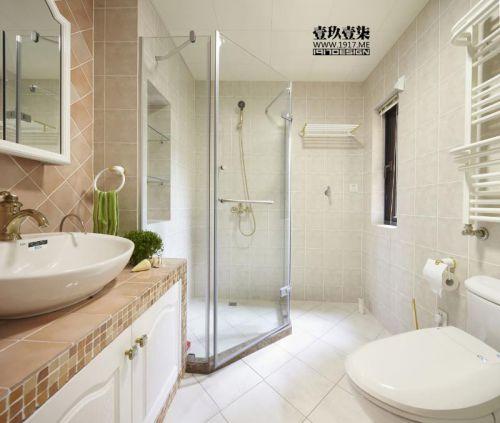 现代简约美式混搭卫生间装修图