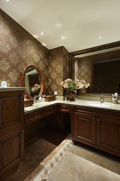 美式混搭复古卫生间图片