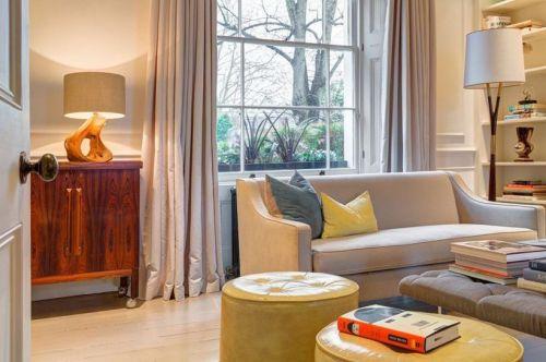 新古典美式客厅沙发案例展示