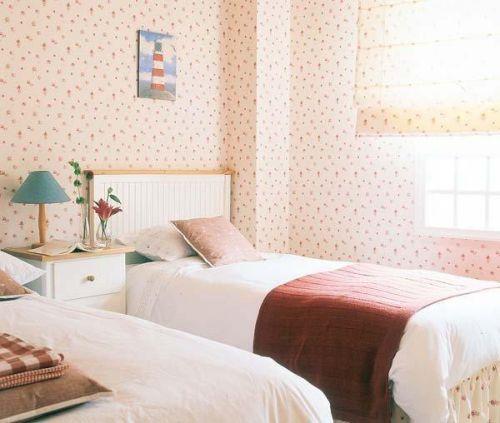 田园浪漫卧室壁纸设计方案