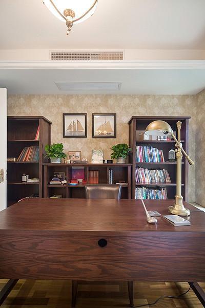 新古典美式混搭精致卧室设计方案