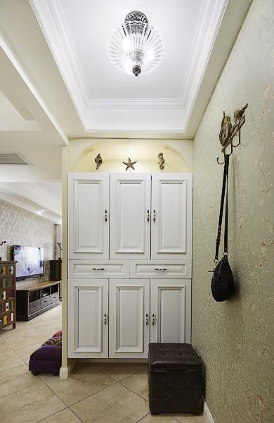 现代简约地中海玄关玄关柜装修案例