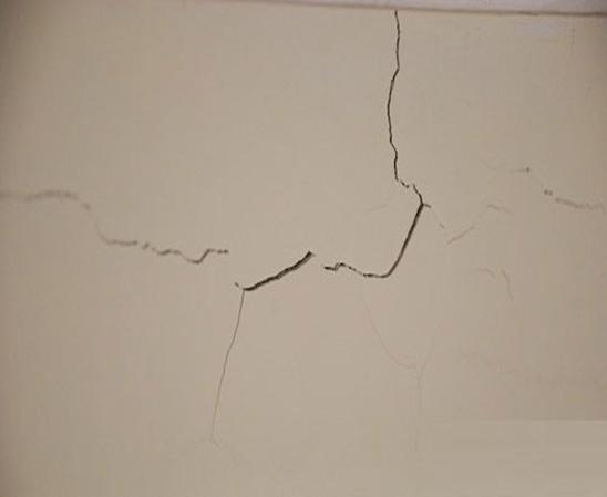 漆面为何会出现裂纹?如何处理漆面裂纹?