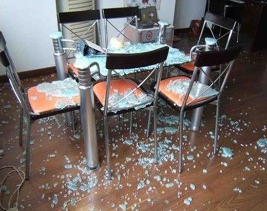 钢化玻璃为何会自爆