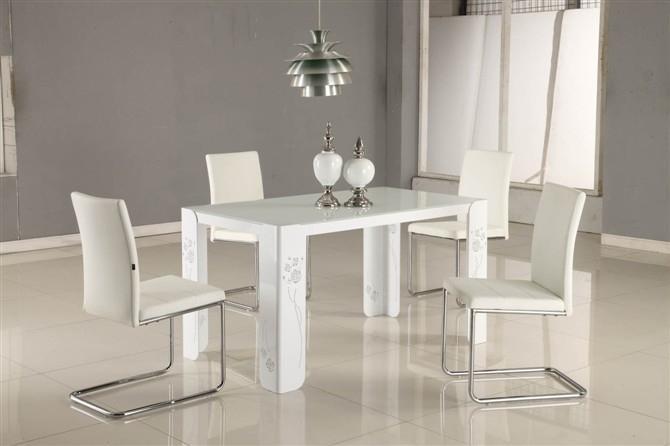 餐桌都有什么材质?餐桌什么材质的好?
