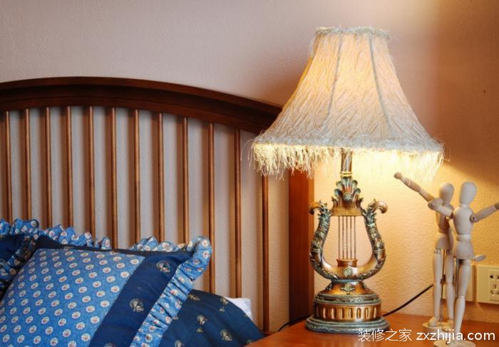 选购床头台灯容易犯的误区