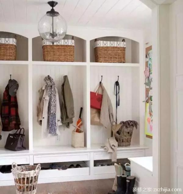 谁说玄关只能放鞋柜?看我家一个空间两个用