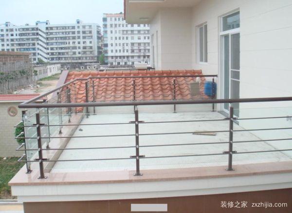 阳台防护栏