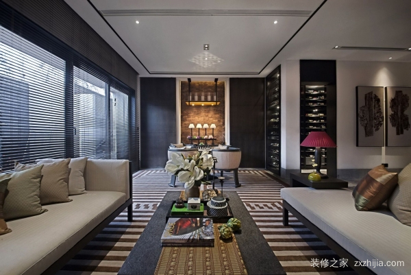 客厅装饰酒柜