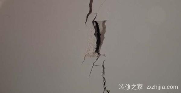 墙面裂缝是怎么回事,墙面裂缝需要注意什么?